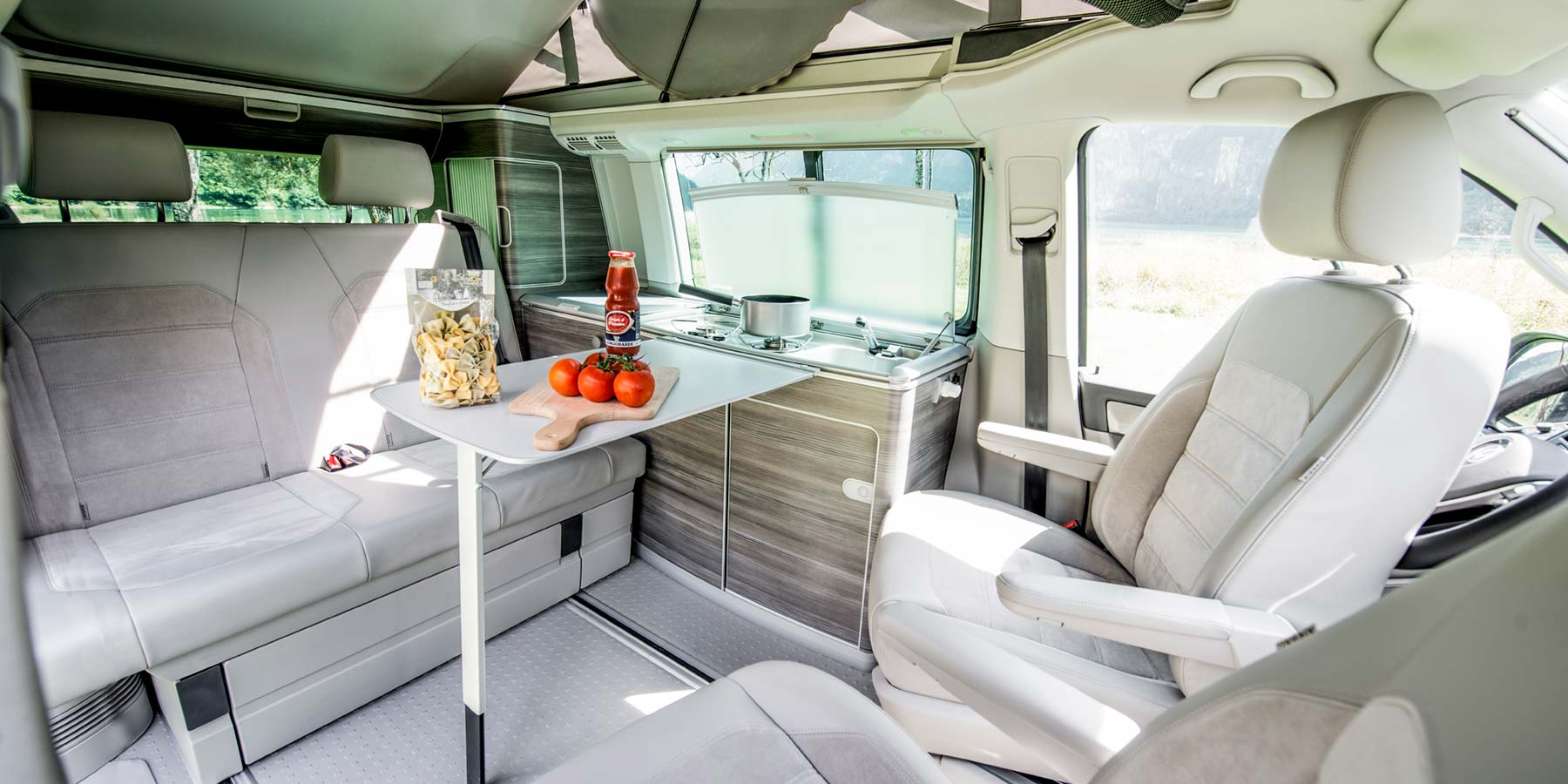 Camper mieten Schweiz, VW T6 California, Wohnraum, Interieur