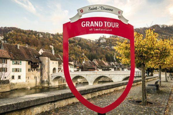Grand Tour of Switzerland explore in Autumn