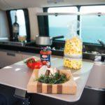 Camper Vermietung Schweiz, Mercedes Camper mieten, Küchenzeile, kochen